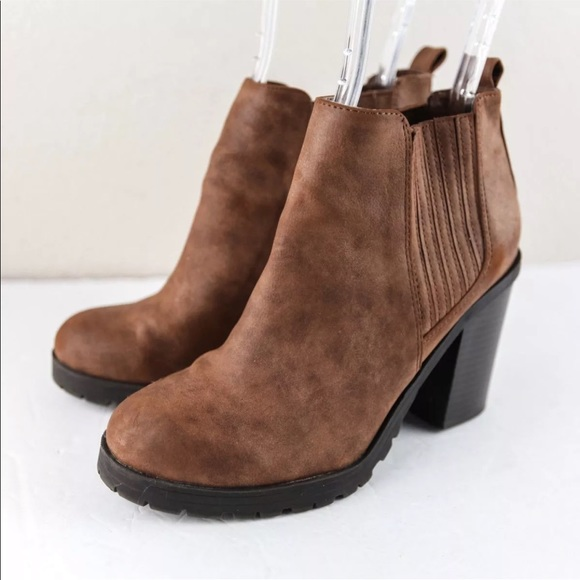 f172bd6672 Sam & Libby DEANNA Brown Chunky Chelsea Ankle Boot.  M_5c3d2de5bb76154ce5cfd9a7